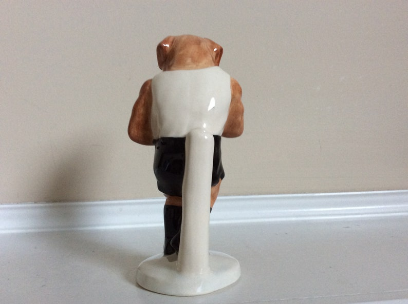 John Beswick \u201cIt\u2019s a Knockout\u201d figurine The Sporting Character Collection #412. Royal doulton