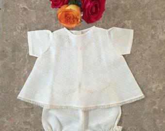 "Delicate new born bodysuit ""cotita"" with pants, handmade"