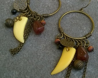 Vintage Dangle Earrings with Bone and Chains/Vintage Bone Earrings/Shark Bone Earrings/Punk style Earrings/Goth Bone Earrings