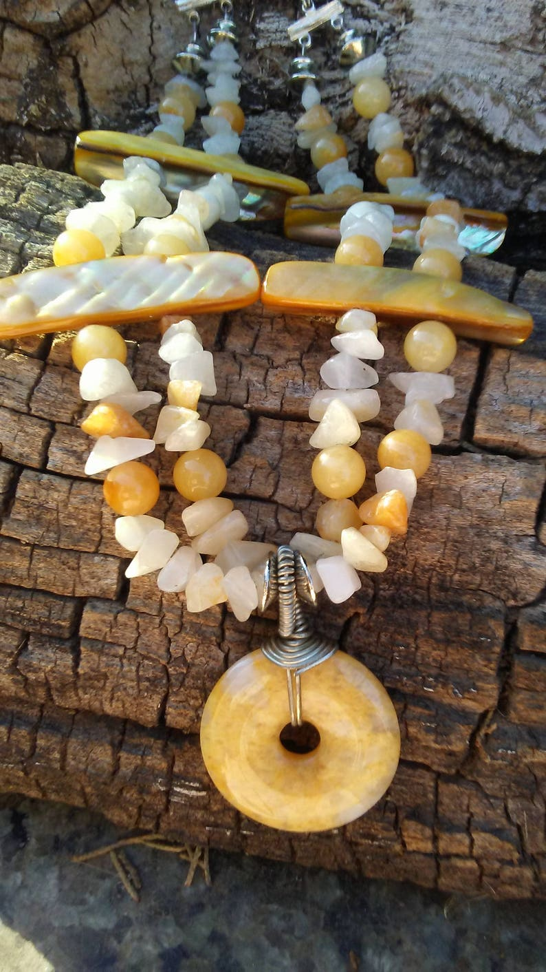 Yellow and White Mother-of-Pearl Jewelry SetYellow and White Jewelry SetYellow and White Pearl Jewelry Set