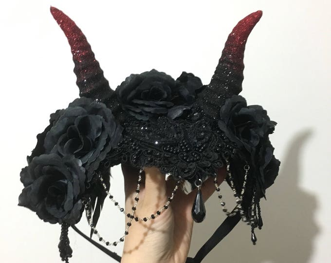 Shading Handmade hat with hand molded small horns roses lace feathers and decorations big hat