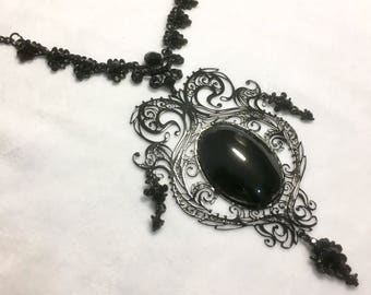 Metal Filigree Jewelery 1 piece necklace labyrinth style with glass cameo