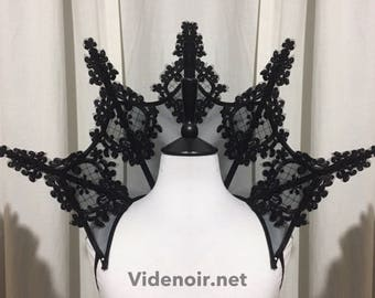 Small Elizabethan gothic Collar with beaded lace applique