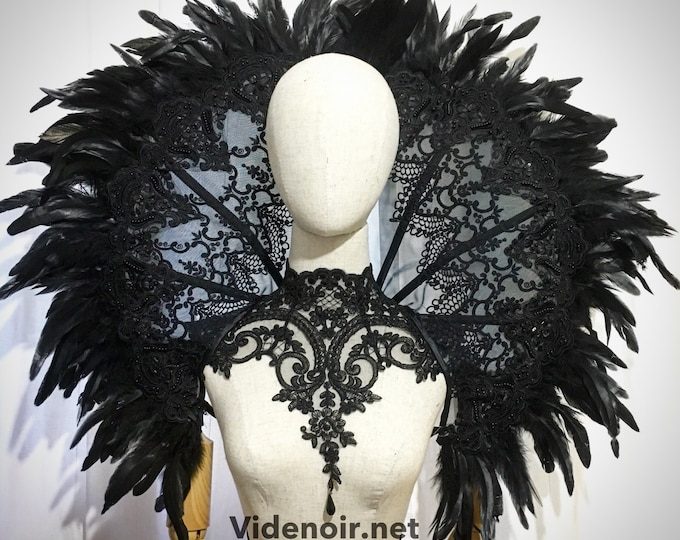 Elizabethan gothic Collar Wired with feather lace standing alone