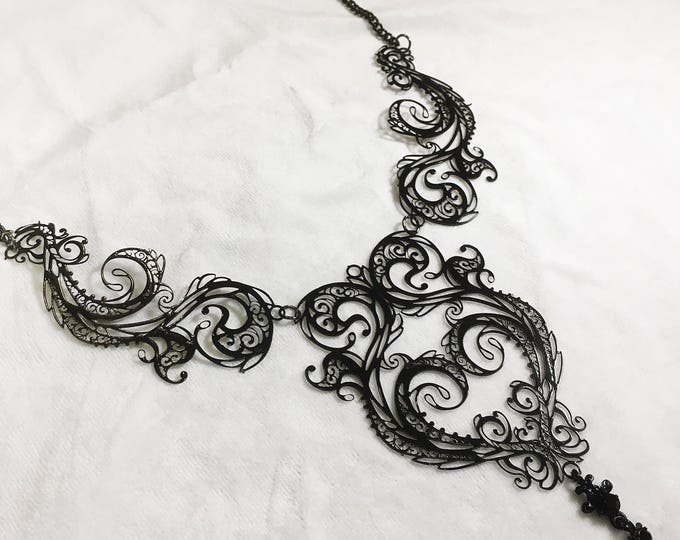 Metal Filigree Jewelery 3 piece necklace labyrinth style