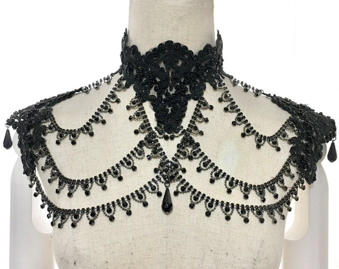 Gothic epaulettes with metal rhinestones chains