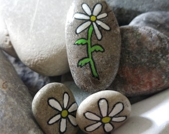 Daisies Pendant and Earring Set Hand Painted Pretty Little Daisies Lake Stone Pendant SET0064