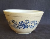 Vintage Pyrex Homestead Small Mixing Bowl, Smallest Nesting Bowl, Homestead Pattern Pyrex, Small Nesting Bowl, 5 3 4 in.