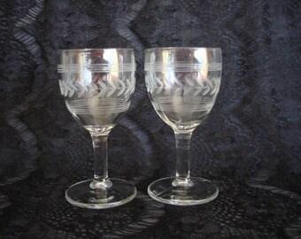 Set of 2 Cordial Glasses with Laurel Leaf Wreath Design, Laurel Leaf Wreath Cordial or Wine Glasses
