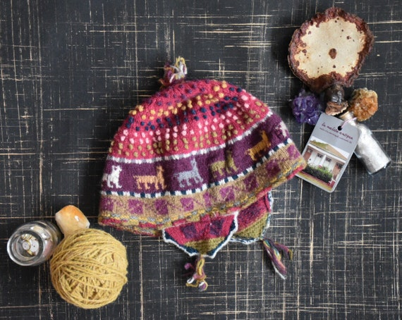1970s Hand-Knit Latin American Wool Beanie || Vint