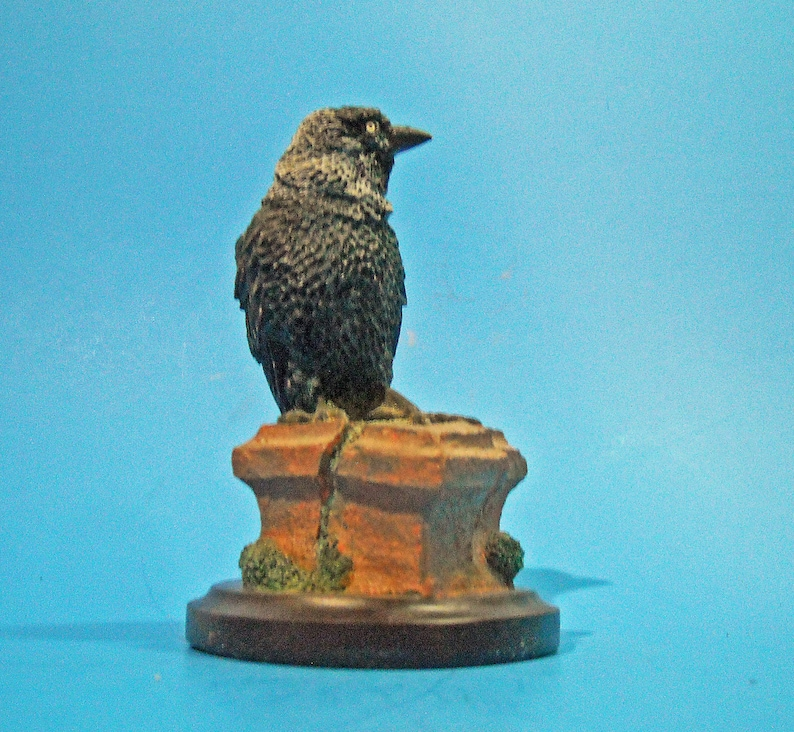 The Country Bird Collection figurine of a Jackdaw a European Member of the Crow Family