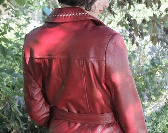 Leather Trench Coat - Red Trench Coat - 24K dan di modes Size Small Medium PRICE REDUCED