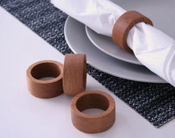 Oak wood napkin rings. Set of 4 napkin rings.