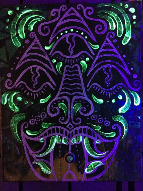 Djinnilingus UV reactive ready to hang