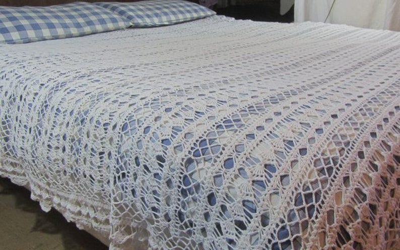 Linens & Textiles (pre-1930) Helpful Vintage French Hand Crochet Table Cover Bed Cover Handmade Bed Spread