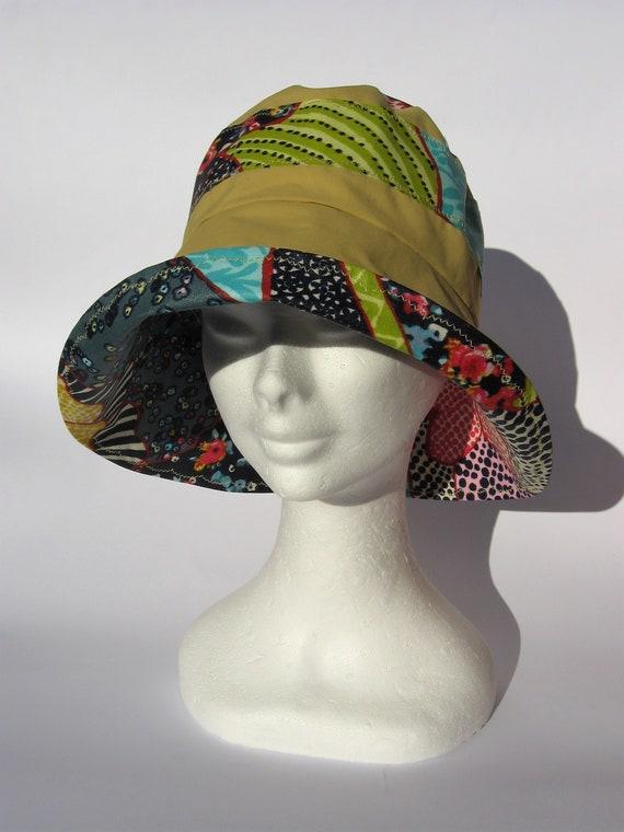 cappello da pioggia tela cerato giallo fantasia floreale  75053bcabbe9