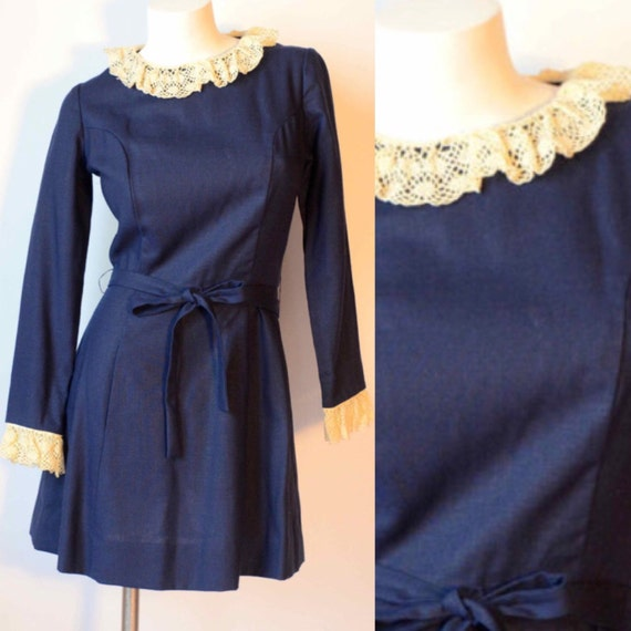 60s Navy Blue Mod Dress with Peter Pan Cream Croch