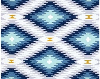 Se promener par Joel Dewberry Azteca dans minuit Free Spirit Designer tissu  vendu par la Cour de la moitié dans une coupe continue 89af3ffb93d7