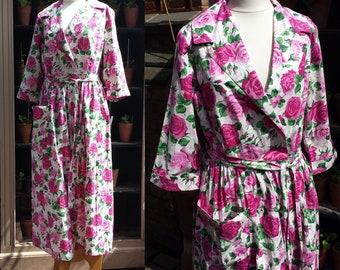"Pink Roses Print 1950's Cotton House Coat Sz 12 Waist 30"" Brettles  .  Mid Century Fashion . Mad Men . Post War Clothing ."