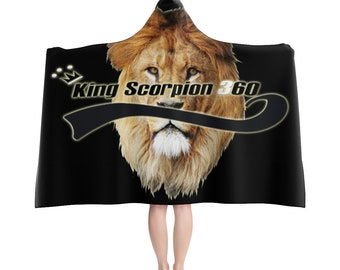 King Scorpion 360 Hooded Blanket