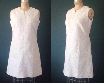 White wedding dress-Simple wedding dress-Short wedding dress-White shift-Courthouse wedding-Casual wedding dress- Plus size dress- Large