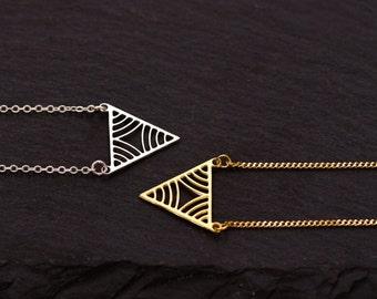 Necklace Ras de Cou, Pendant Triangle Geometric Lace Matte, Laser Cut, Fine Chain Mesh