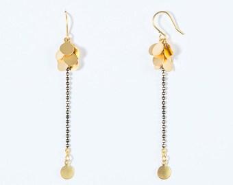 Boucles d'Oreille Grappe d'Or, fine chaîne bille or & noire, plaquage haute qualité