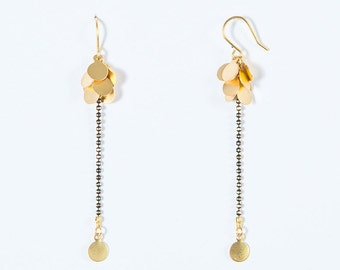 Earrings dangle cluster Golden plating, gold & black ball chain high quality