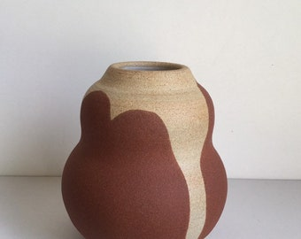 Sand and ochre-red sandstone, matte clay. Ceramic vase. Sandstone vase. Pottery vase 15 cm. Matte vase.