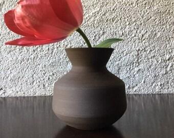 Brown vase - black, matte clay. Ceramic vase. Black sandstone vase. 14 cm pottery vase. Matte black vase.