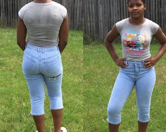 Mature ass in jeans