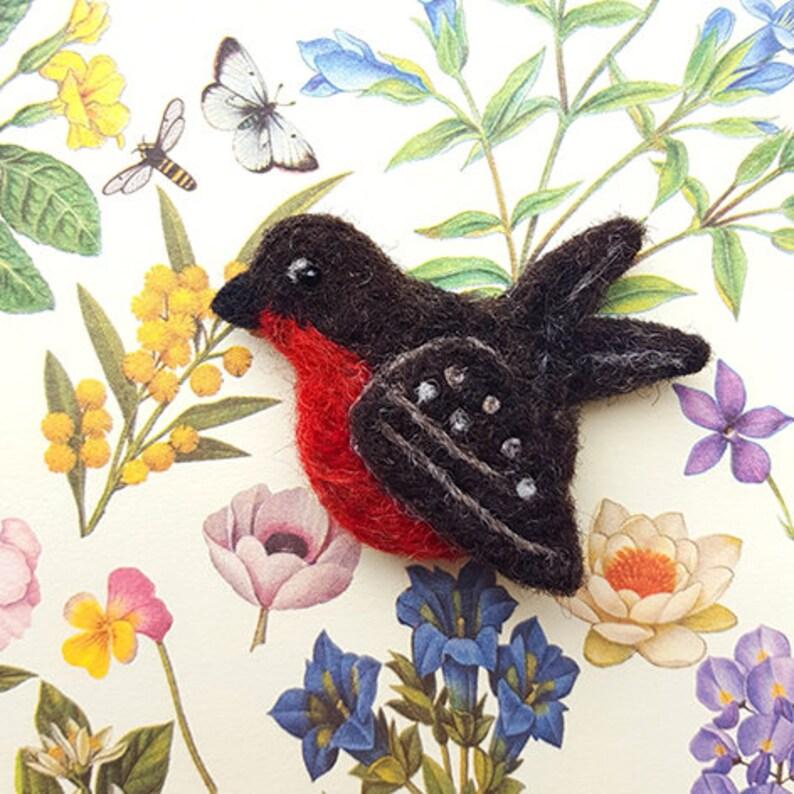 Robin red breast pin brooch  Needle felt bird brooch  image 0