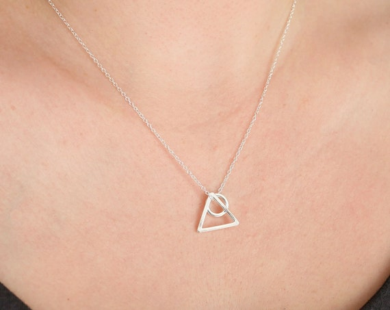 Minimalist Silver Geometric Necklace