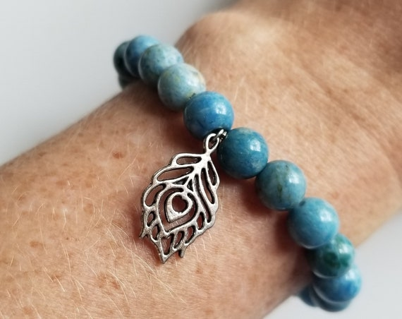 Tranquil Vibes: Reiki Attune Blue Agate Healing Bracelet
