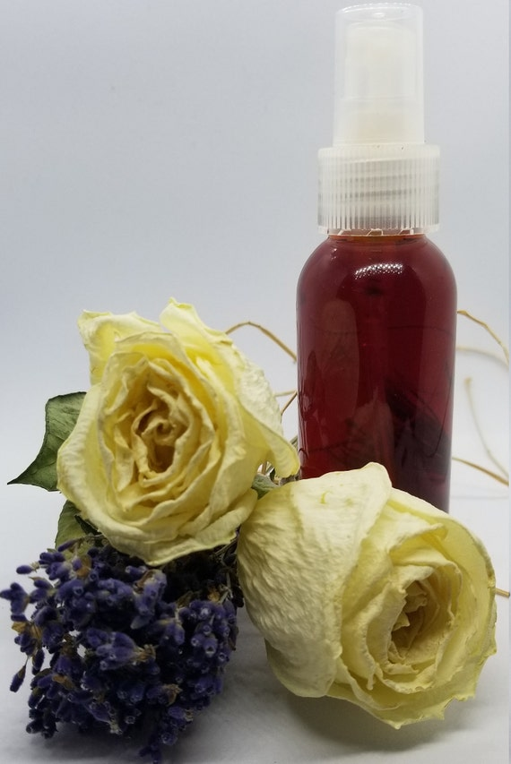 Lavender and Rose Herbal Facial Toner// witch hazel toner// herbal beauty// herbal skin care// plant based skin care