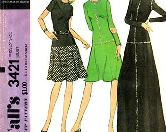 McCall's 3421 Glitzy Trimmed Dress 1972 / SZ8 UNCUT