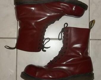 77729306513 Doc Martens #1910 Boots Air Wiersma 10 oogjes Cherry Red mens US grootte  11M staal tenen matig gedragen goede staat