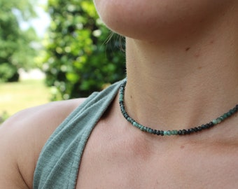 Raw Emerald Choker, May birthstone necklace, Heart Chakra choker, gifts for her, gifts for mom, unique boho choker