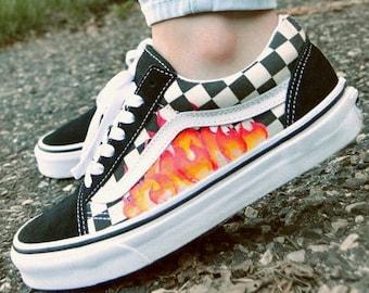 chaussure vans avec des flammes
