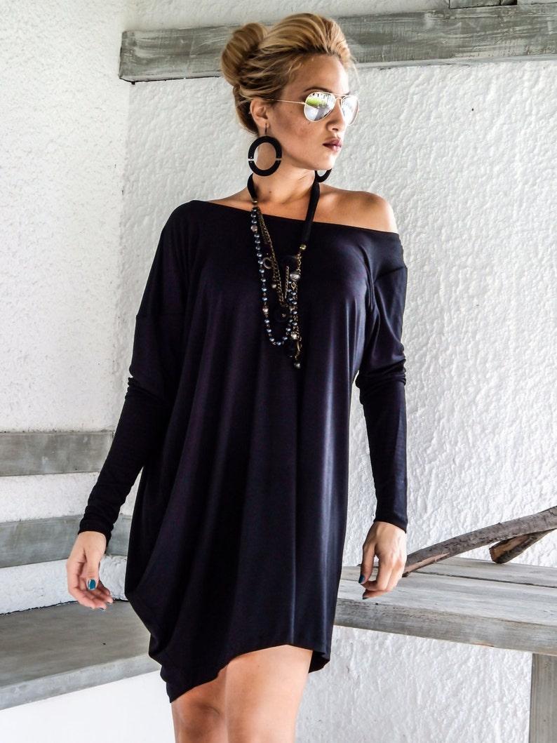 c536d57ab9 Czarna asymetryczna sukienka z bluzka-tunika plus rozmiar