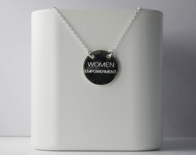 Women's pendant. Silver necklace.