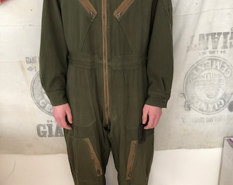 f54babab688 Coveralls - Vintage Army Air forces Flight Suit - Overalls - Jumpsuit -  Size Medium Long Men