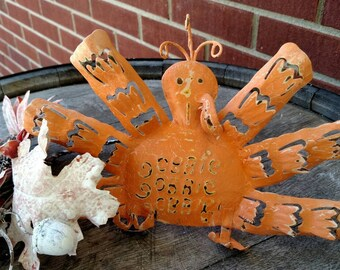 Gobble, gobble, gobble, a turkey. Just in time for Thanksgiving. FREE SHIPPING  Item# 913162