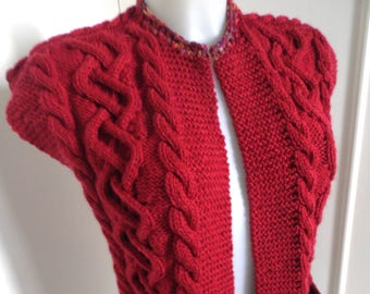 Embossed sleeveless Cardigan cable size and color choice