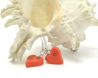 Heart Earrings in red, Red Earrings, Heart Earrings, Red Heart Earrings, Polymer Clay Earrings, Valentine's day gift, heart / Sandycraft