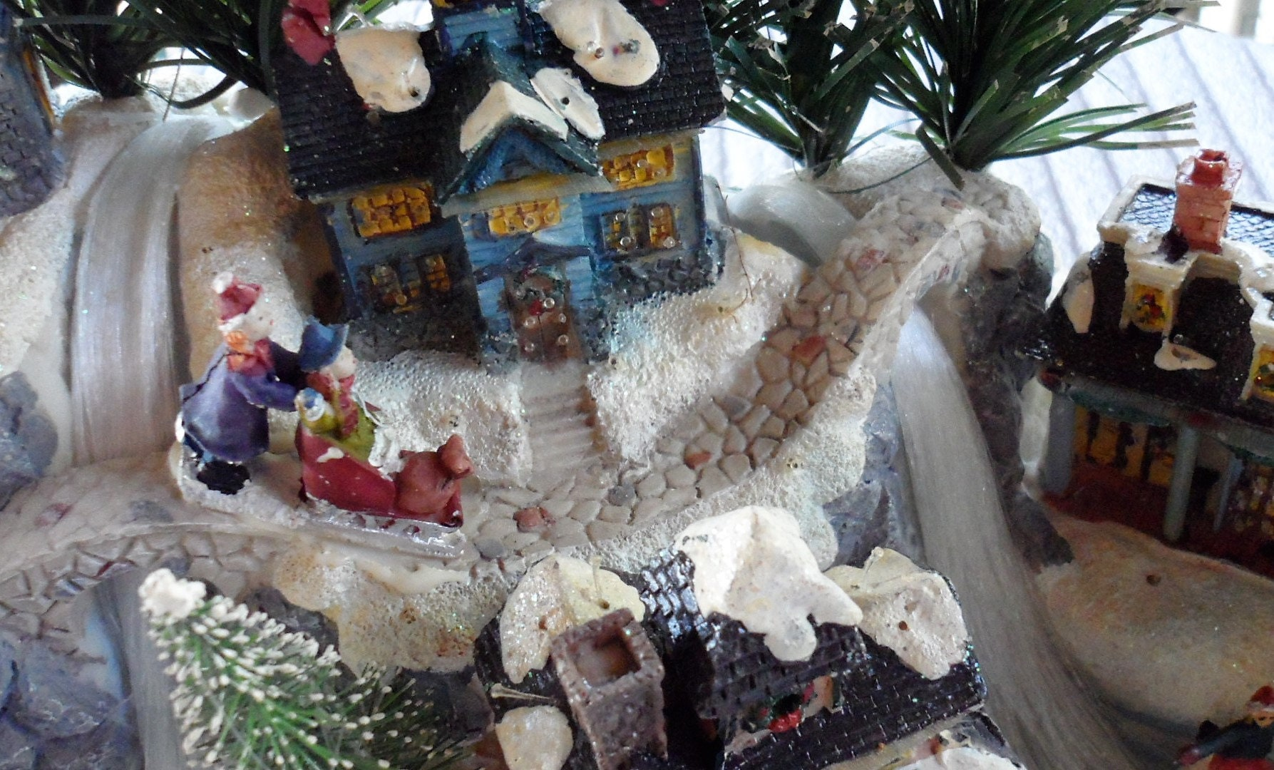 Avon Fiber Optic Christmas Village Decoration Christmas