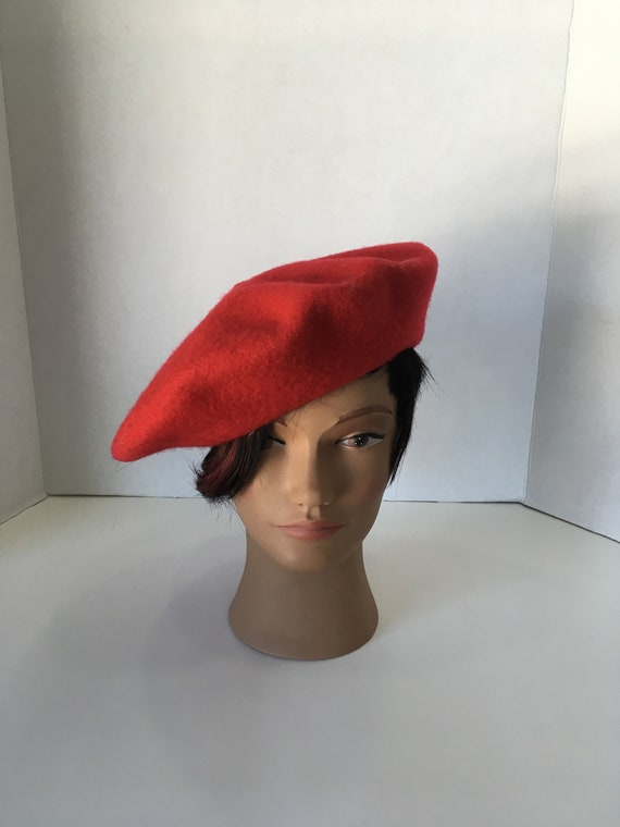 Vintage 1990's Bright Red Wool Beret Hat Size Smal
