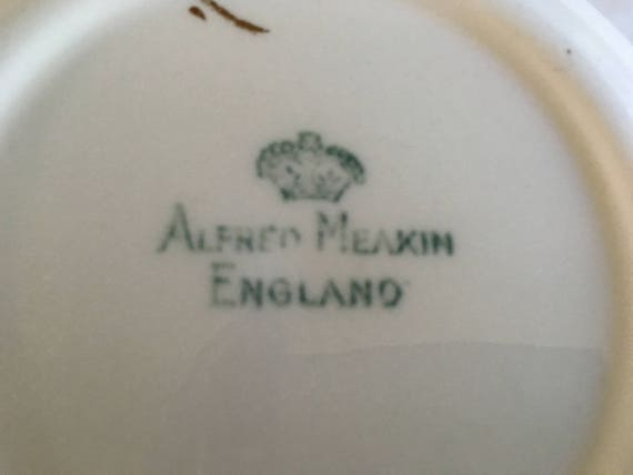 England Gold Star and Swirl Pattern Set of 6 Coupe Cereal Bowls by Alfred Meakin