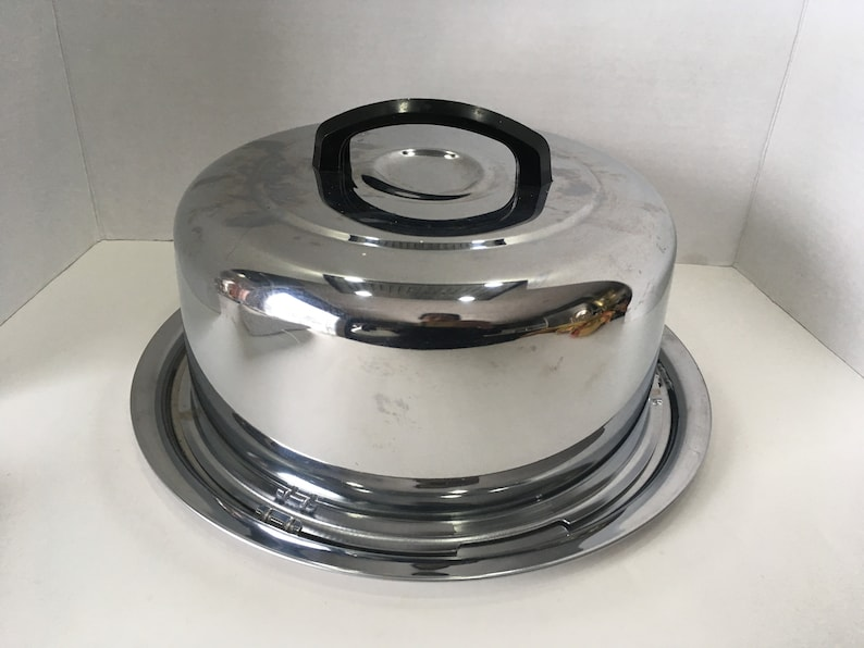 Chrome Cake CarrierPlatter with Lock System The Everedy Co
