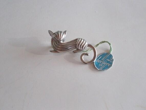 F1286A 1990s Sweden Romantic modernist silver collier